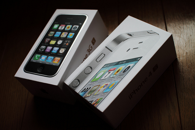 Upgrade Your iPhone 3GS and Find Great iPhone 4 Deals